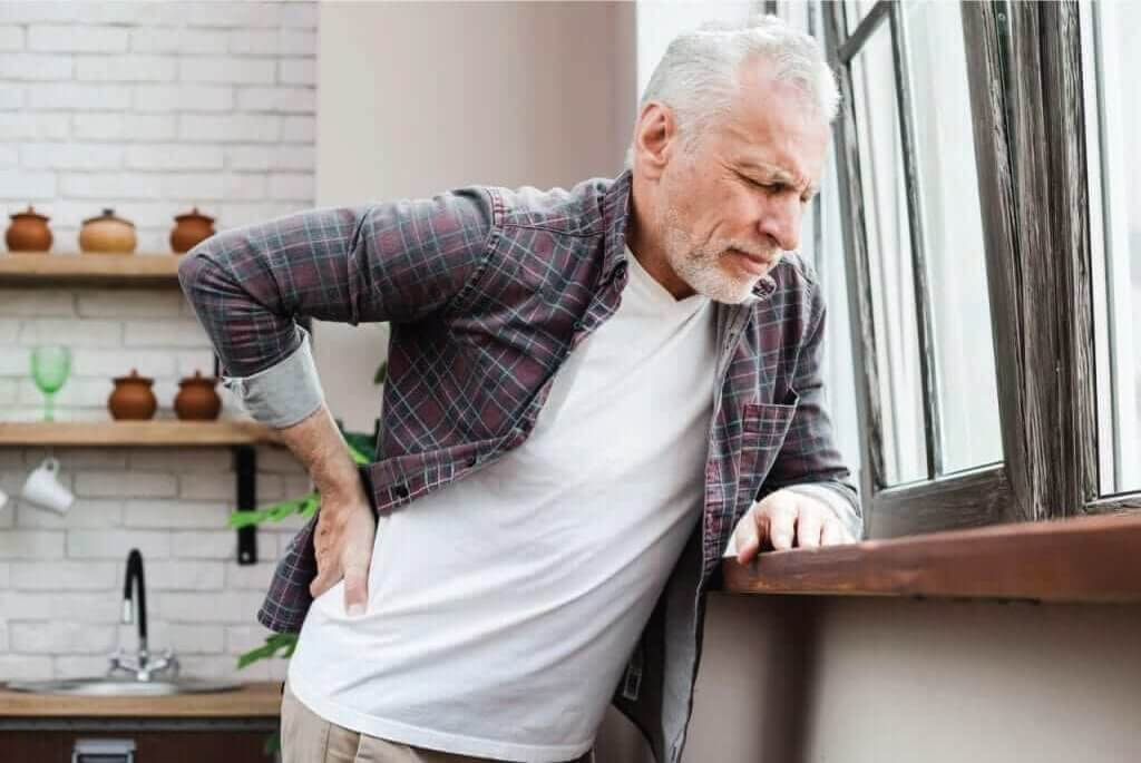 Signs to seek treatment for chronic back pain